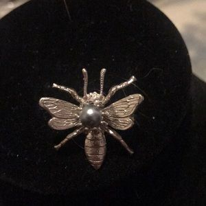 Jewelry - Vintage flying insect pendant with silver pearl
